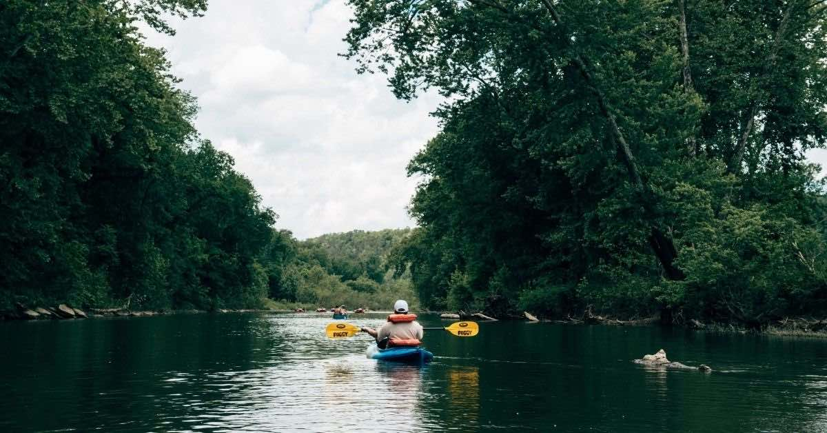 Kayking on the Harpeth River