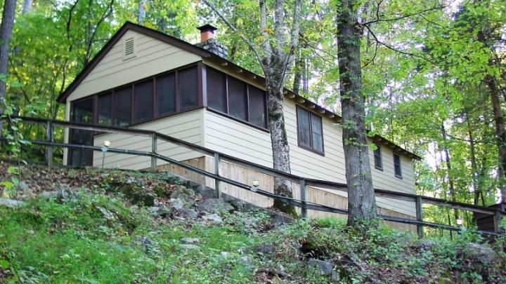 Delicieux Why Leave The Park When You Can Stay On Site? We Found 17 Tennessee State  Parks With Cabins That Will Accommodate Big Families.